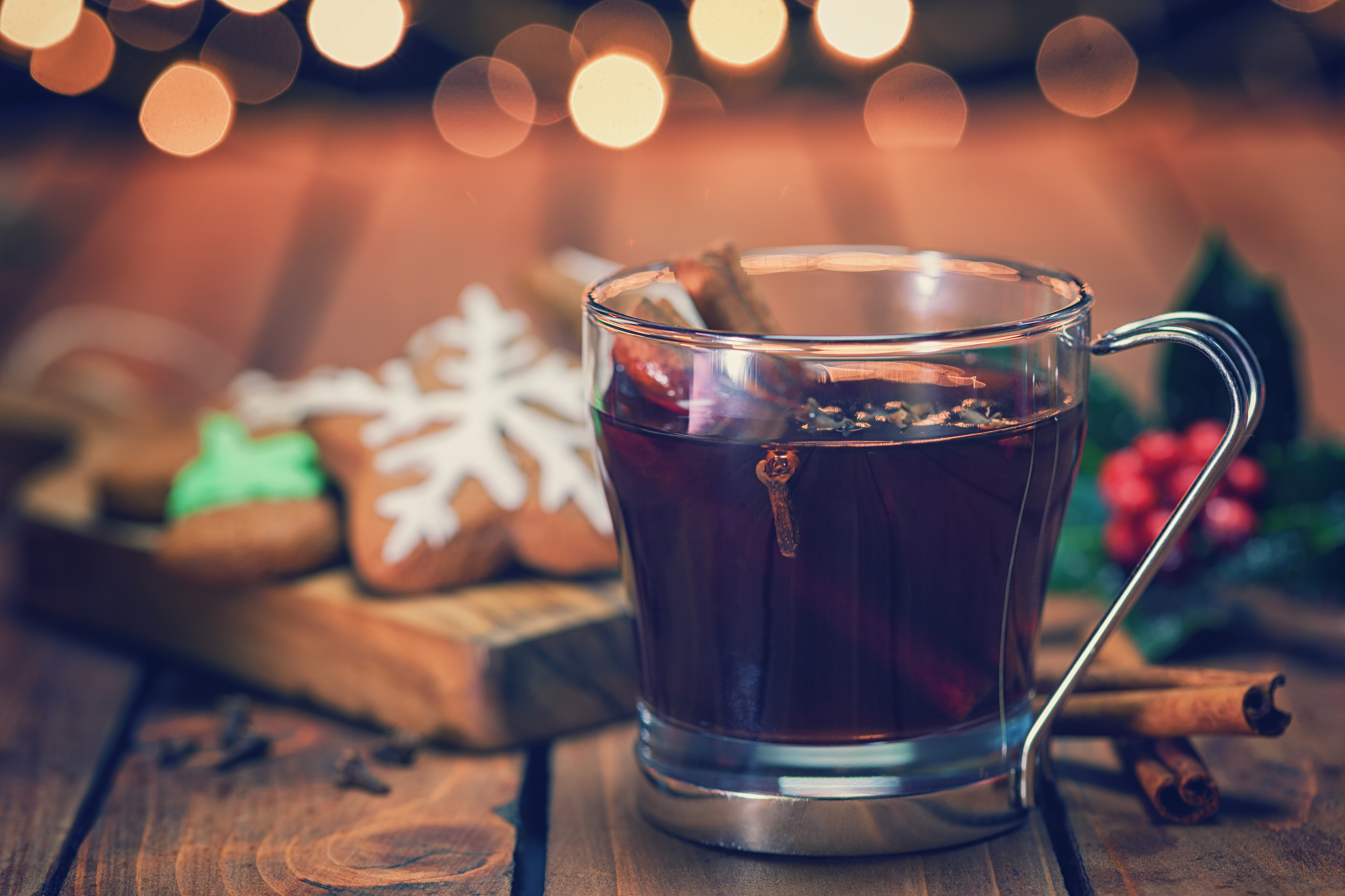 Glühwein Cocktail Recipe - mulled wine- spiced wine -holiday cocktail-holiday beverage -warm beverage recipe
