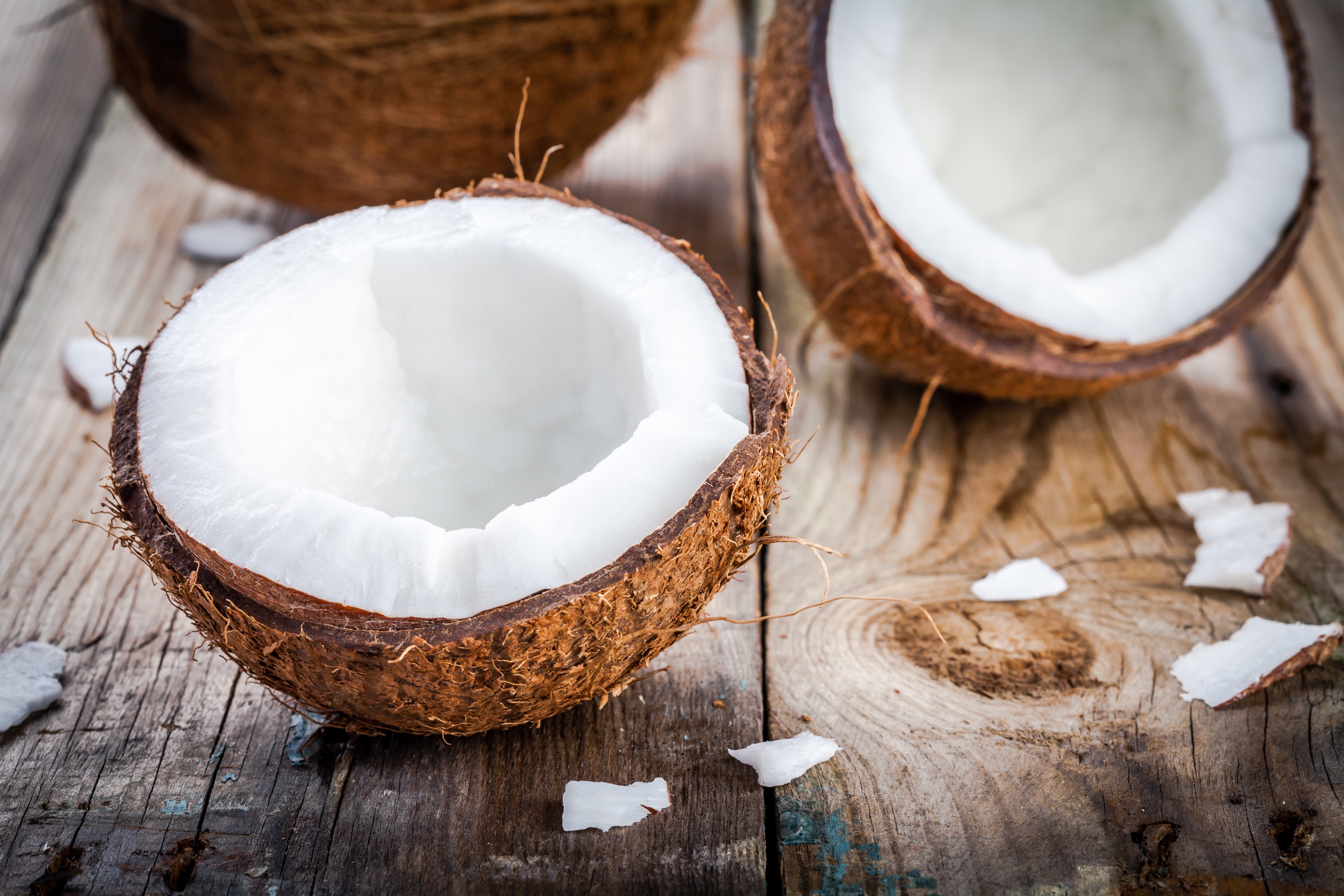 best uses for coconut - coconut oil uses - uses for coconut oil - coconut oil - cooking - healthy eating - health - superfood -superfoods - coconut - healthy cooking - baking - nutrition - superfruit